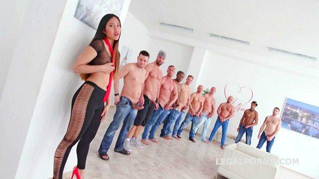 asiatisch porno-star may thai in der strengsten gang-bang mit 10 männern, doppel-anal und dreifach penetration