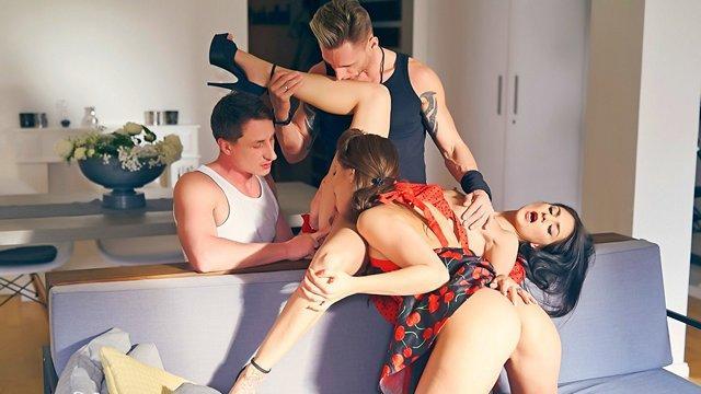saftig gruppen austausch mit partnern in den sex von zwei jungen paaren, porno erotik swinger