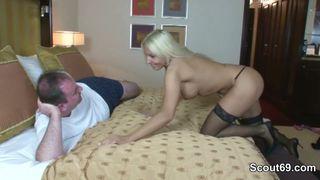 kleine meise blondine harte porno